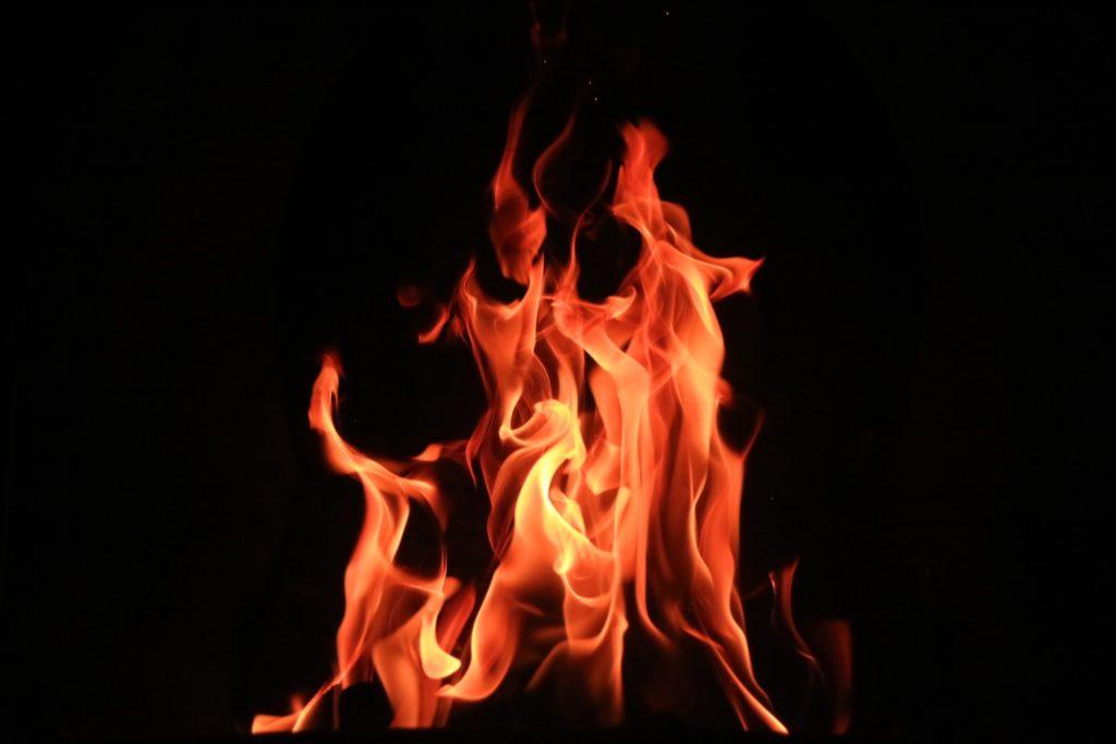 brændende ild