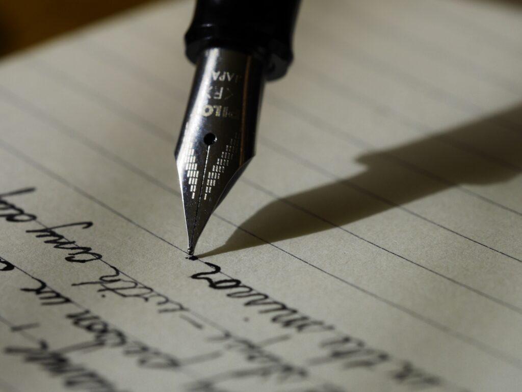 bekendtgørelse bliver skrevet